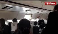 Yolcu Uçağının Acil Çıkış Kapısı Aniden Açıldı!video