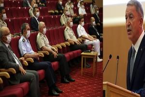 Bakan Akar: Törende personel ile bayramlaştı video