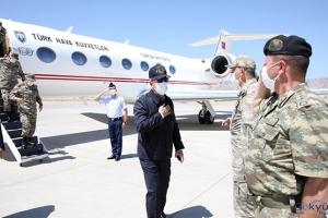Bakan Akar ve komutanlar Irak sınırında(video)
