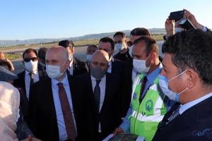 video Bakan Karaismailoğlu, Erzurum Havalimanı'nda