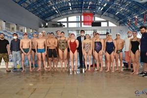 Milli yüzücüler Niğde'de kampa girdi