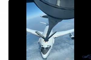 Tanker uçaktan, NATO uçağına yakıt ikmali(video)