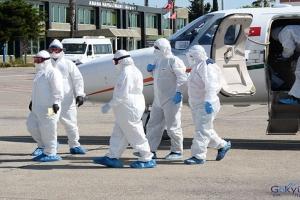 video Korona hastası Türk, ambulans uçakla getirildi