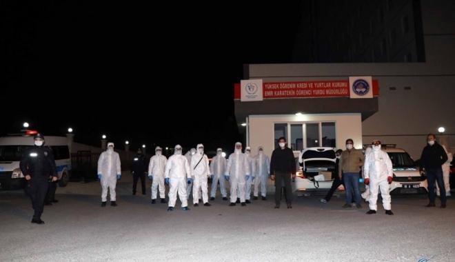 262 Türk vatandaşı Esenboğa Havalimanı'na getirildi.
