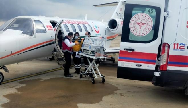 3 günlük bebek, ambulans uçakla Bursa'ya getirildi