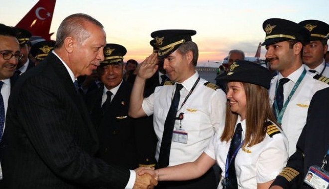 3. Havalimanı pilot ve hostesleri yerinden etti!
