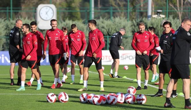 A Milli Futbol Takımı, Stefan Kuntz yönetiminde ilk antrenmanını gerçekleştirdi