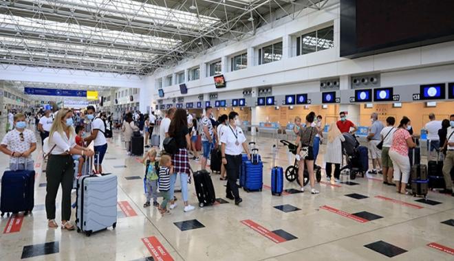 #Antalya'da Rusya'nın 45 günlük uçuş kısıtlaması#video