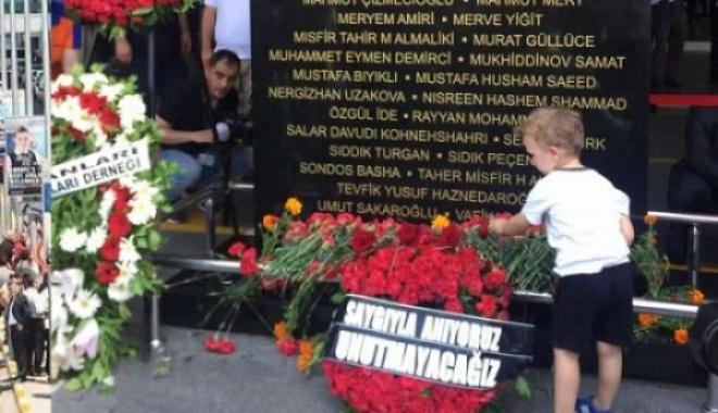 Atatürk Havalimanı Şehitlerini Andı