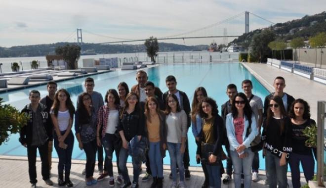 Atlasglobal'den Arnavut Öğrencilere Burs Desteği!