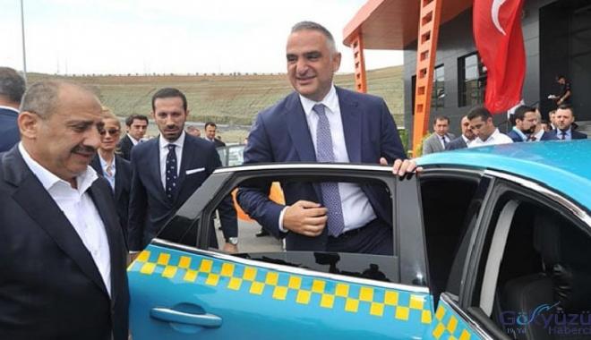 Bakan Ersoy, İstanbul Havalimanı'da