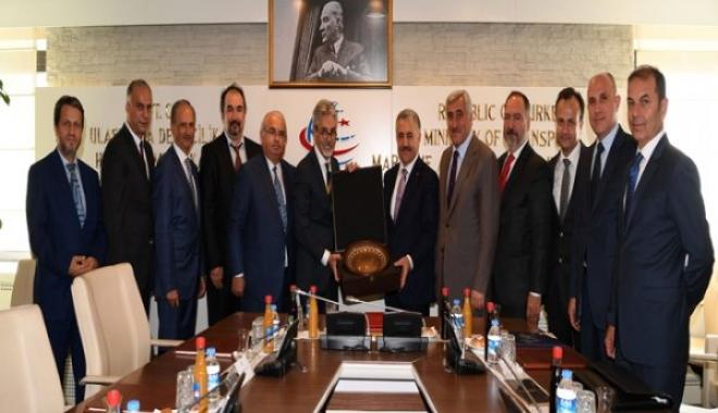 Bakan Ahmet Arslan'a TÖSHİD'ten Anlamlı Ziyaret