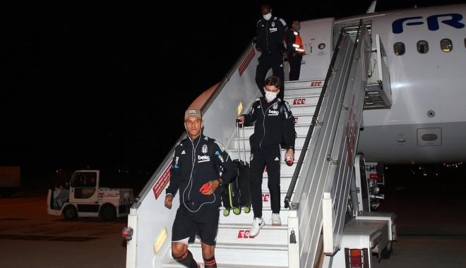 Beşiktaş 16 kişilik kadrosuyla İzmir'de #video