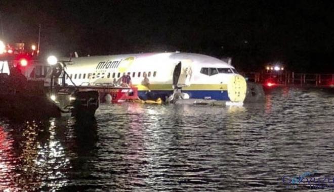 Boeing 737 tipi yolcu uçağı pistten çıkıp nehre indi!
