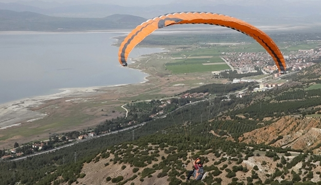 Burdur'da yamaç paraşütü ilgisi#video