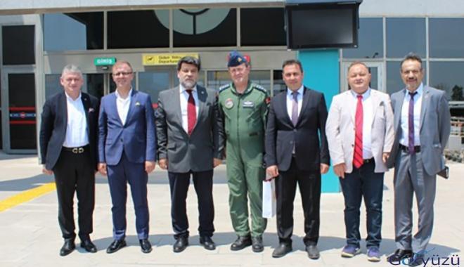 Romanya'dan gelen heyet Çorlu Atatürk Havalimanı 'nda