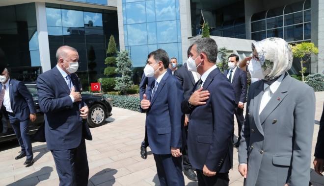 Cumhurbaşkan Erdoğan,Gölbaşı Belediyesi'ni ziyaret etti