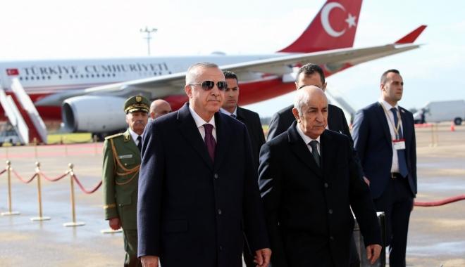 video Cumhurbaşkanı Erdoğan Cezayir'de