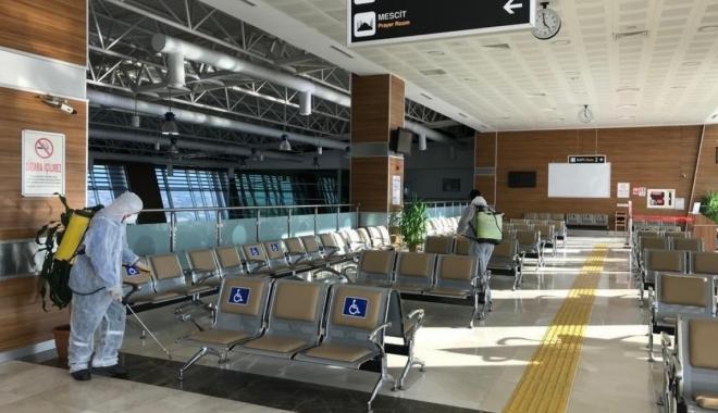 DHMİ tüm havalimanlarını dezenfekte ediyor