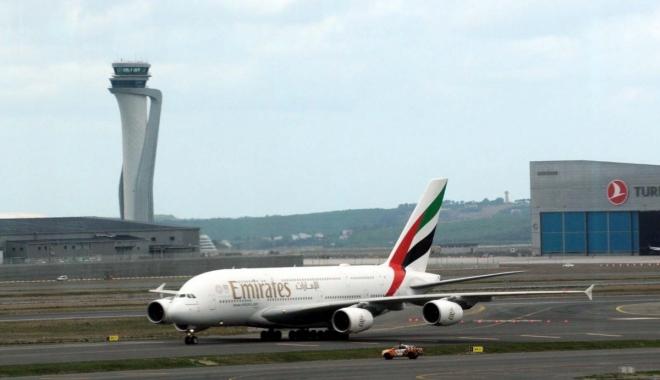 Emirates Airbus A380 İstanbul Havalimanı'nda #video
