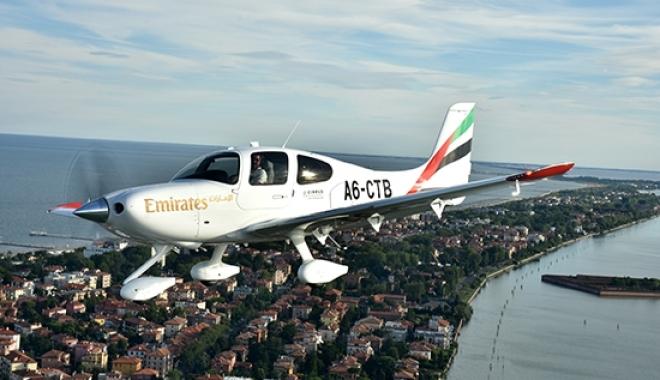 Emirates İlk Eğitim Uçağını Teslim Aldı