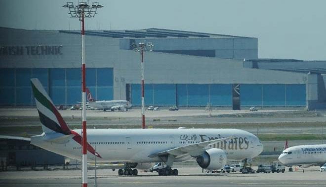 video#Emirates uçağı İstanbul Havalimanı'na acil iniş yaptı