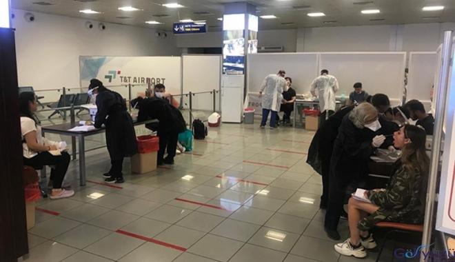 Ercan Havalimanı'na ilk uçak indi!