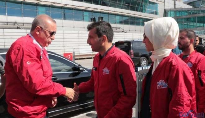 Erdoğan, Atatürk Havalimanı'nda TEKNOFEST'i ziyaret etti