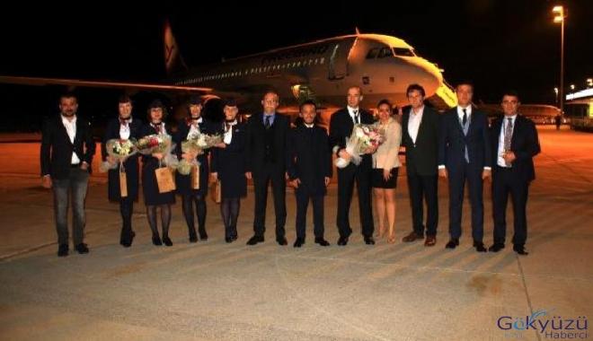 Estonya'dan Alanya'ya Gelen yolcular çiçekle Karşılandı!
