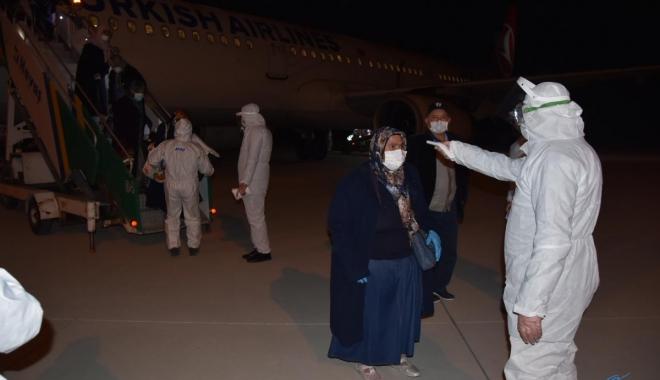 video Fransa'dan 181 vatandaş uçakla Kütahya'ya getirildi.