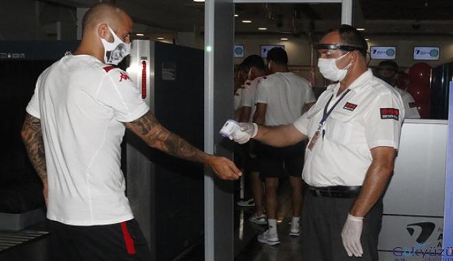 Fraport TAV Antalyaspor, Beşiktaş maçı için yola çıktı(video)