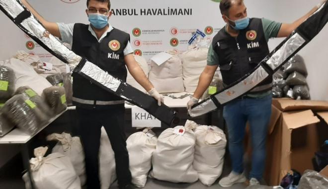 Havalimanı'nda 420 kilogram uyuşturucu yakalandı