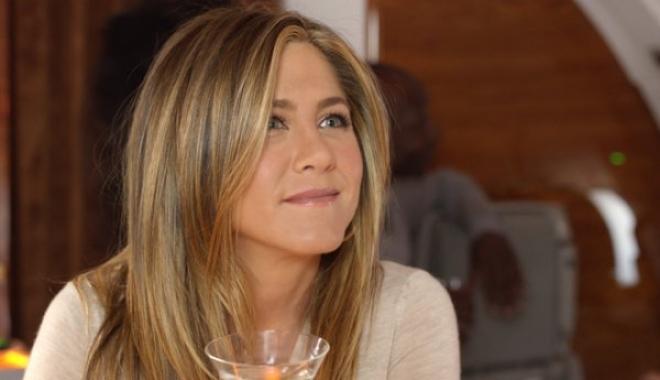 Jennifer Aniston, Emirates ile konfor ve lükse uyanıyor