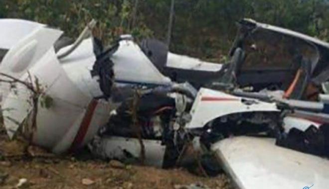 Küçük uçak düştü... 3 kişi hayatını kaybetti