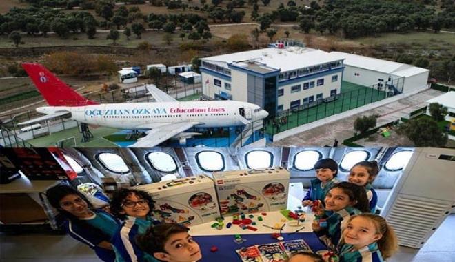 Öğrenciler uçakta ders görüyor!