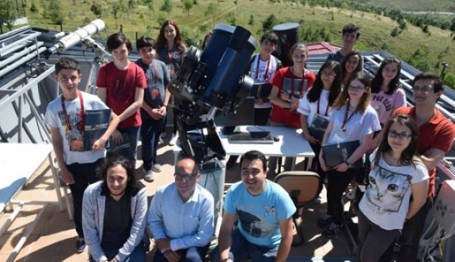 AÜ,Öğrencilere Gezegen Araştırması Eğitimi Verildi