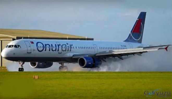 Onur Air İstanbul uçağında korkutan arıza!