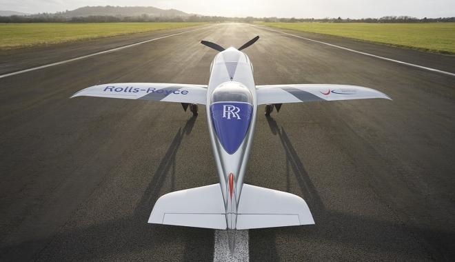 Rolls-Royce'un tamamen elektrikli uçağı