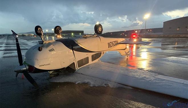 Şiddetli yağış ve fırtına uçaklara hasar verdi