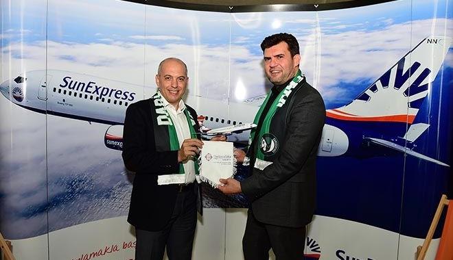 SunExpress, Darüşşafaka Tekfen'e sponsor oldu
