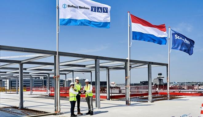 TAV Schiphol Havalimanı'nda bayrağı göndere çekti!