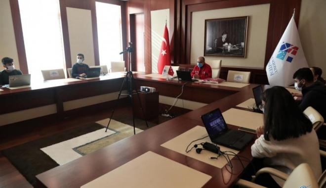 TEKNOFEST'in seminerine HKÜ'den rekor katılım