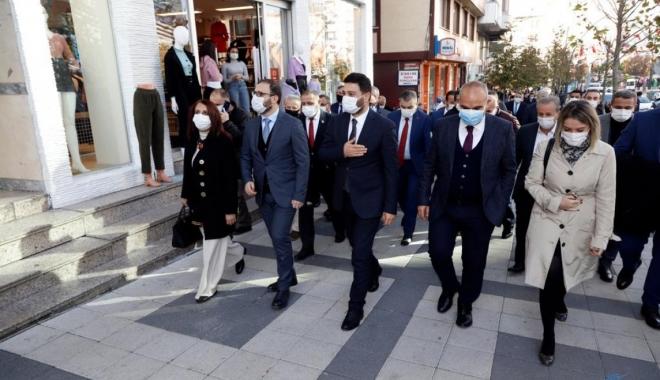 Tematik Caddeler Projesi'yle Seyir Caddesi hizmete açıldı