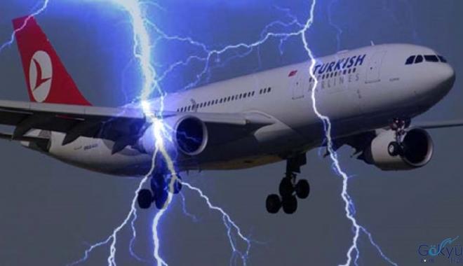 THY Boeing 737 tipi uçağına yıldırım çarptı!