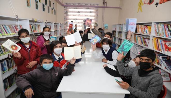 THY çalışanı Ağrı'ya 9 kütüphane kazandırdı(video)