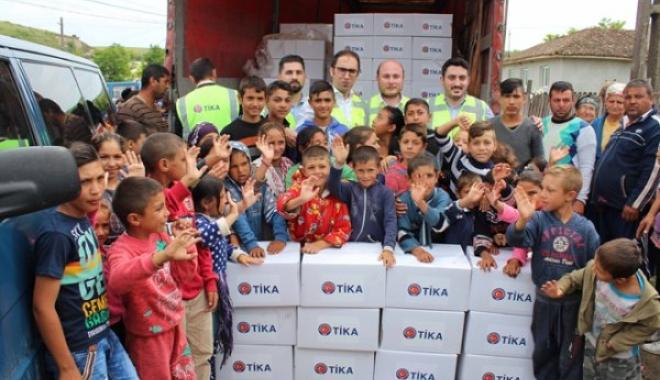 TİKA'dan Roman, Türk Ve Tatarlara Gıda Desteği