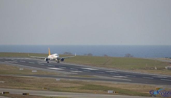 Trabzon Havalimanı'nda uçuşlar yeniden başladı(video)
