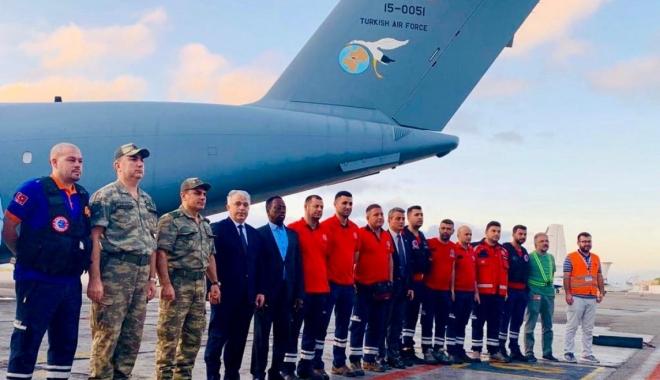 Türk askeri kargo uçağı Somali'de!