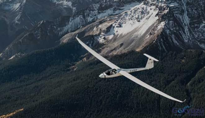Türk Pilot,30 bin kilometre Planörle Uçacak!