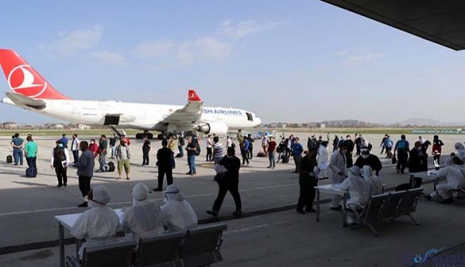 Umman'dan 250 Türk vatandaşı Van'a geldi